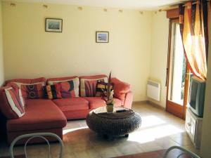Gite-ty-louna-kitchen-living room